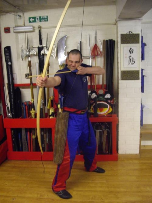 the-chief-instuctor-russell-suthern-with-old-english-longbow